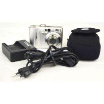 Nikon Coolpix 7900 gebrauchte Digitalkamera (7,1 Megapixel), silber