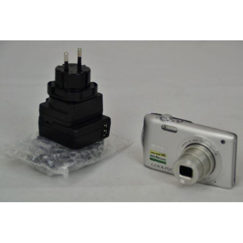 Nikon Coolpix S3300 gebraucht