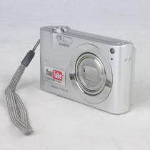 Casio Exilim EX-Z100 Digitalkamera gebraucht, mit OVP, silber