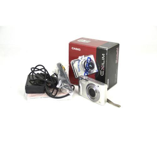 """Casio Exilim EX-H15 Digitalkamera gebraucht (14 Megapixel, 10-fach opt. Zoom, 3"""" Display) silber"""