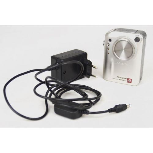 FujiFilm FinePix F601 ZOOM (3,1 Megapixel), silber