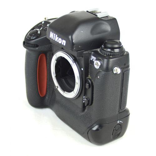 Nikon F5 Body, Farbe: schwarz