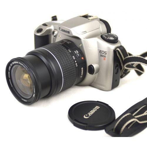 Canon EOS 3000N mit Objektiv, silber