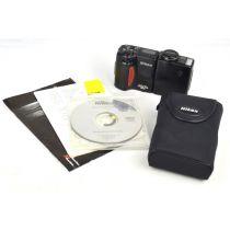Nikon Coolpix 950 (2,1 Megapixel), schwarz
