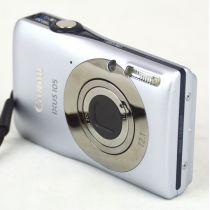 Canon IXUS 105 Digitalkamera gebraucht (12 Megapixel, 4-fach opt. Zoom) silber