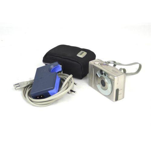 Canon Digital IXUS 300 (2,1 Megapixel), silber
